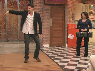 Dave dancing on the Rachel Rae mostrar