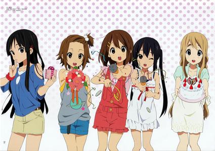 (From left to right) Mio- bass Ritsu- Drums Yui- gitara Azusa- gitara Tsumugi- Piano/electric keyboard