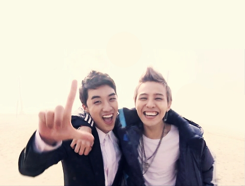 G-dragon and Seungri! G-RI! :-)