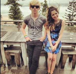 He doesn't like her, she doesn't like him! They are just co-stars! Ross and Laura will probably never become RAURA! And if they do great. But don't big them about it! Will you get mad and not like them anymore if they didn't date?
