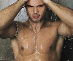 Here's a manip obviously of Taylor in the shower.