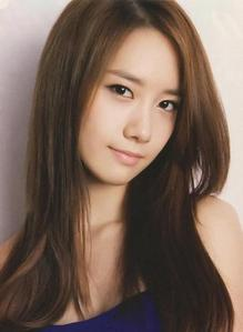 I don't really hate anyone on SNSD. But the one I dislike the most among the members is Yoona.