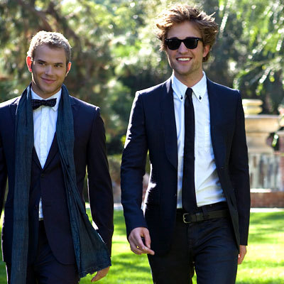 here's my babe(seen here with his co-star,Kellan Lutz) wearing a belt.Looking good,baby(as always)<3