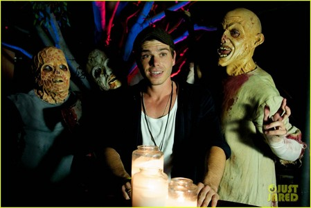 Matthew with people dressed in zombies. <33333