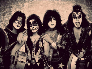 i'm a KISS Fan since I was 7 years old. I don't know if I like them Mehr with make-up oder with-out, I think both.. I like paul and gene the most. Alas I've never seen them in concert:( but I have to see them at least one time in my life!