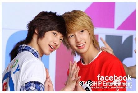 Fav band: Boyfriend Fav members: Jo twins