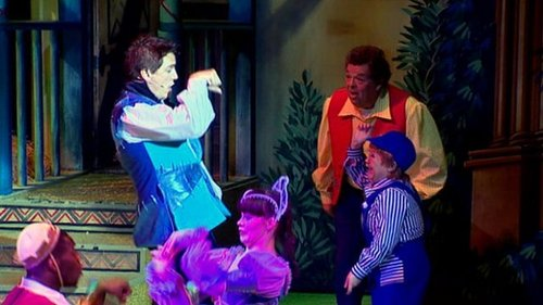 John Barrowman in panto♥