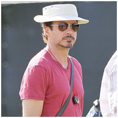 Downey with necklace! :)