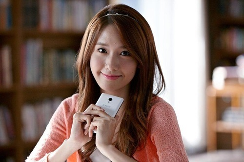 YOONA is the prettiest and the most popular !
