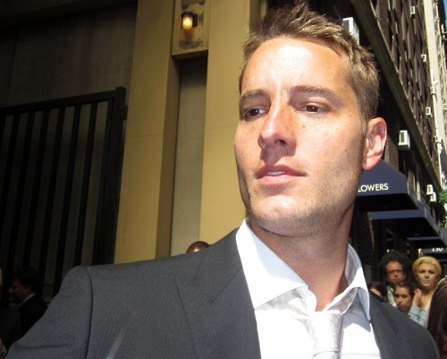 my hottie signing autographs on a sunny ngày in New York, May 2012 (CW Upfronts)