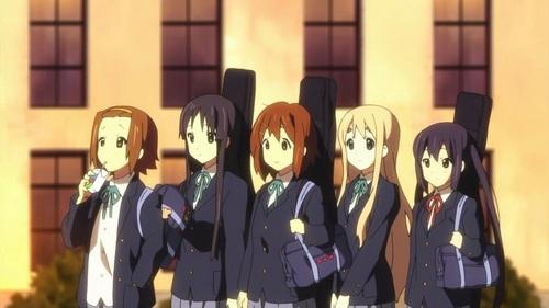k-on! HTT members mio,azusa,mugi,yui,ritsu left to right:ritsu,mio,yui,mugi,azusa