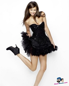 Here's my idol, Nina Dobrev, I especially want her boyfriend!!