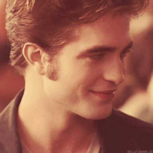 my sweetheart in a scene from Eclipse with a slight(but sweet)smile<3