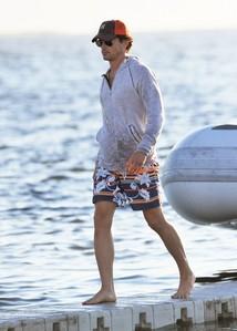 Matt has nice legs!