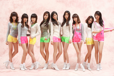 1. Yuri 2. Tiffany 3. Taeyeon 4. Seohyun 5. Yoona 6. Jessica 7. Hyoyeon 8. Sunny 9. Sooyoung