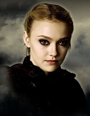A vampire for the following reasons: 1.They are super fast. 2.They have awesome eye colour. 3.They are strong. I would be part of the Volturi 또는 The Cullens which ever one.