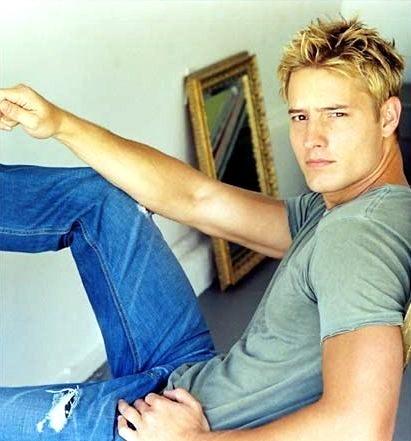 my hottie in blue jeans <33333