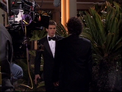 Matthew on the set of The Hot Chick. <33333