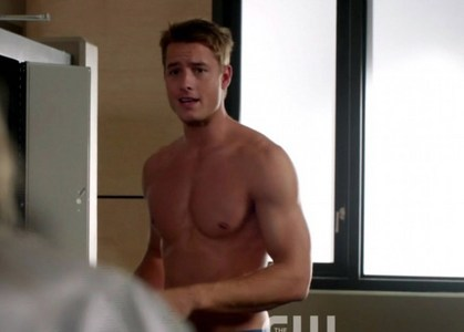 """my hottie in """"Emily Owens"""" (shirtless seems to be an ongoing topic in his career ;) ) <3333"""