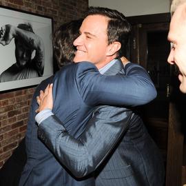Matt Bomer hugging Tim DeKAY so cute :)