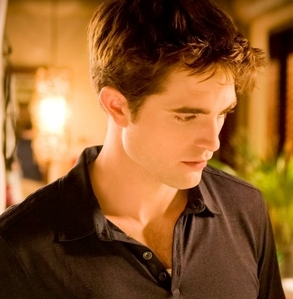 my gorgeous Robert wearing a short sleeve buttoned down 셔츠 in a scene from BD part 1<3