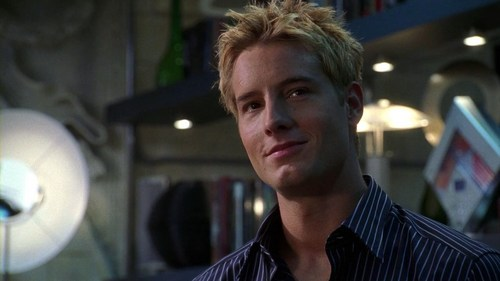 my hottie in his very first scene on Smallville (you can practically feel his self-confidence) <33333