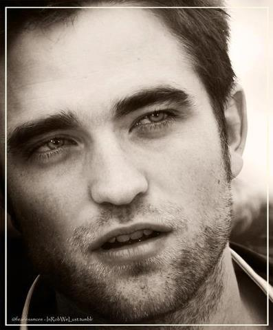 my gorgeous Robert is just pure perfection<3