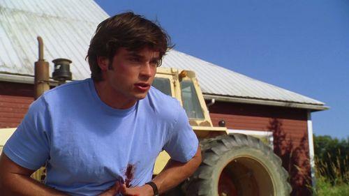 Tom Welling as Clark Kent in episode Hidden in Smallville