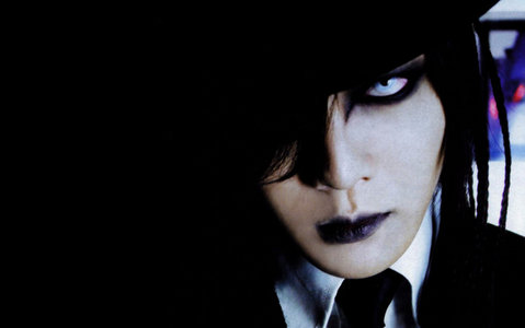 Kai.... He is so awesome and so sexy.... would one jour l'amour to meet him and the gazette!!!!