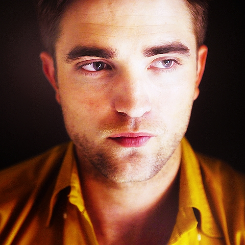 oh those sexy,kissable lips...THUD<3
