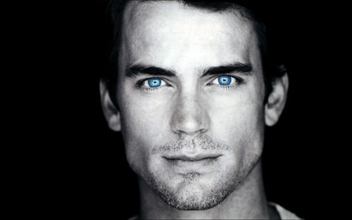 His eyes have been edited... amazing :)