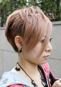 I like short, layered hairstyles with bangs uwu things like this