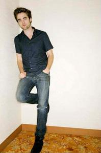 my handsome Robert flamingo style<3