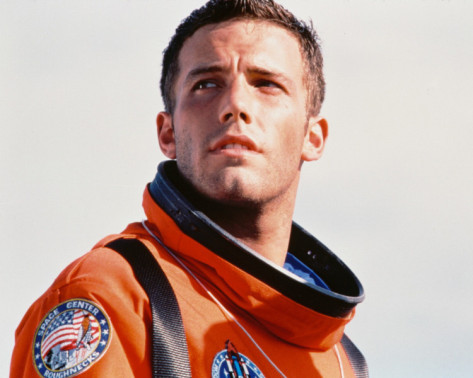 Ben Affleck in an jeruk, orange NASA astronaut suit in the movie Armageddon