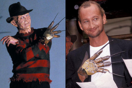 I have soooo many posters and 壁紙 in my room of him but I would die if I had the freddy gloves that he actually wear in the movies.