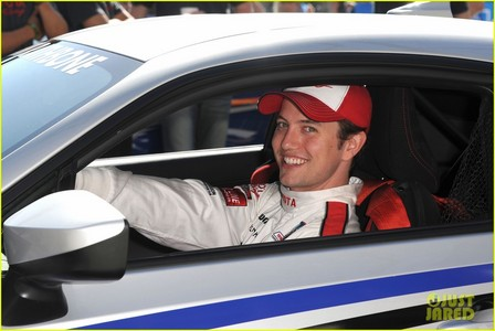 Twilight star, sterne Jackson Rathbone in a race car for the Toyota Celebrity Grand Prix<3