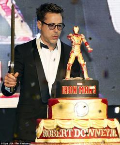 Downey with IM cake :P
