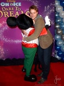 My sweetie getting hugged door Mickey muis <3333