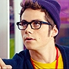 This is my boyfriend. His new movie The Internship came out today so I chose to use him as an आइकन for a while.