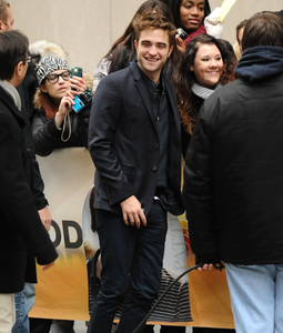 my handsome Robert outside the TODAY Zeigen studio signing autographs and taking pics with some very lucky fans<3