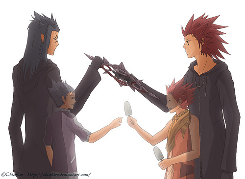 This isn't an アニメ but I thought it should be mentioned: Kingdom Hearts (video game but some people see it as like an anime). This has a few フレンズ and rivals become enemies (Sora and Riku, Aqua and Terra) but my お気に入り at the moment and I think could be very tragic is Lea and Isa