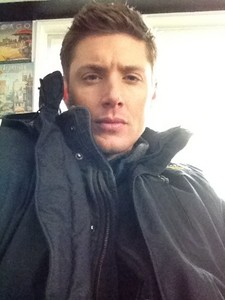 Jensen while shooting Supernatural <333