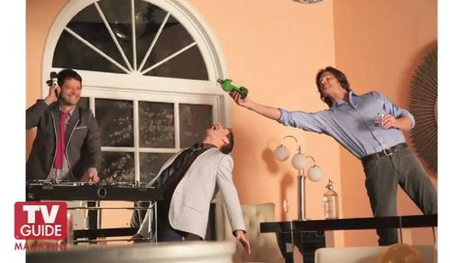 """Misha, Jensen and Jared (l-r) celebrating their titre as """"Favorite Sci-Fi Series 2011"""" (TV-Guide)"""