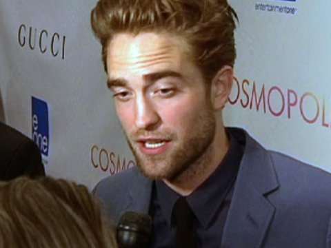 my gorgeous Robert looking puzzled door a vraag being asked him on the red carpet<3