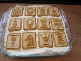 My mom's банан пудинг with chessmen cookies! Heaven I tell you!