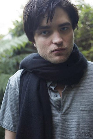 my sweetie wearing a black scarf that matches with his black hair<3