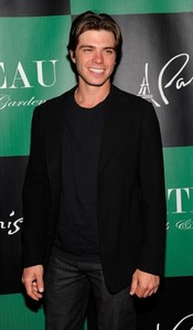 My Matt all in black!!!! :P