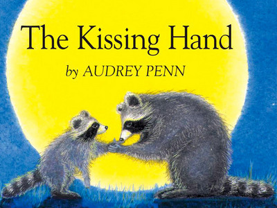 It's 'The baciare Hand' da Audrey Penn (it's my brother's) It doesn't have page numbers.