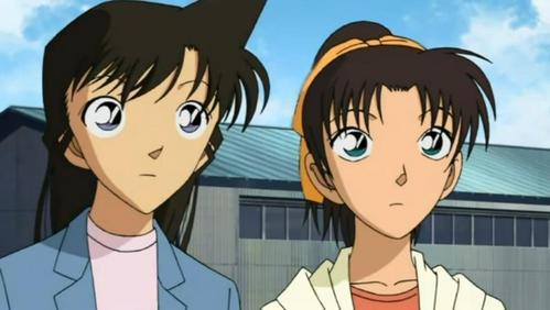 Mouri Ran and Toyama Kazuha from Detective Conan...Ran(left) skilled at karate while Kazuha(right) skilled at aikido....
