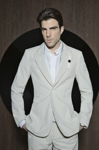 Zachary Quinto with stubble and being sexy <3